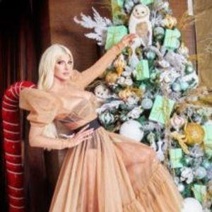 Ангели наместо лампиони – Карлеуша елката ја посвети на починатата мајка