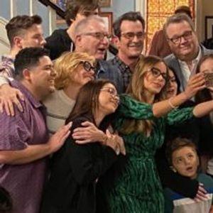 """Снимена последната епизода од хит-комедијата """"Модерно семејство"""""""