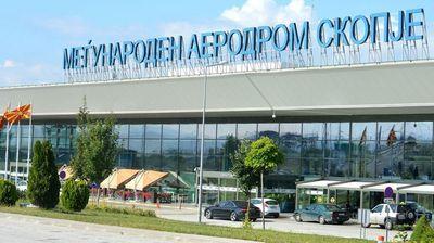 Се отворат аеродромите во Скопје и Охрид, прва тура се туристи од Холандија