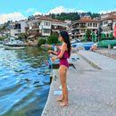 Андријана Јаневска по риба во Охрид: плашица гризе на бели црви
