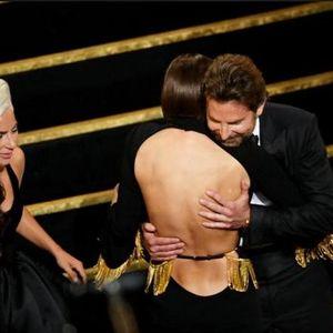 Ирина го оставила Бредли поради Гага: Постојано го обвинуваше, а тој…