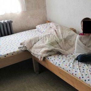 Оставени на милост и немилост: По 14 часа на ден поминуваат врзани за радијатори децата со ментални потешкотии во Завод во БиХ