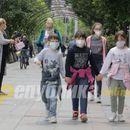 Филипче ги теши родителите: Заштитните маски не се ризични за децата