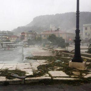 Грција ќе ги отвори границите, но омилените острови на Македонците речиси и да не постојат