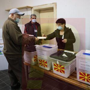 Излезност во 13 ч.: Новаци води со 43,70%, Струмица последна со 20,06%, под 20% во албанските општини