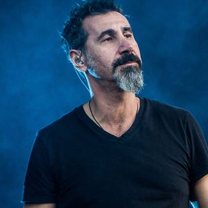 "Слушайте Serj Tankian (System Of A Down) в кавъра на Blue Öyster Cult ""Godzilla"""