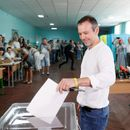Zelenskiy seeks broader mandate as Ukraine holds snap parliament election