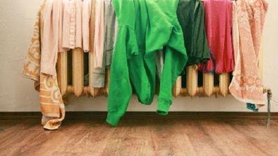 Сушењето алишта во соба за време на зимата е најлошата работа која може да ја направите