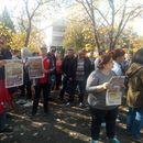 Владата да отвори државна конфекција, па да види каква експлоатација трпиме, рекоа текстилните работници на протестот во Штип