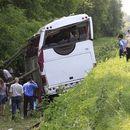 Страшна сообраќајка во Австрија кај Линц, македонски автобус се судри со камион, осум патници повредени