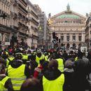 """32.000 """"жолти елеци"""" дефилираат во Франција од кои 8.000 во Париз"""