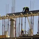 Скопјанец тешко повреден при пад од куќа во изградба