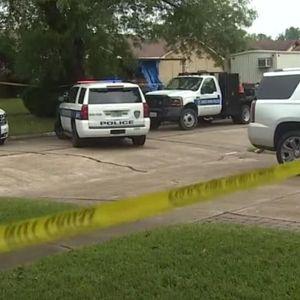 Страв и ужас во Тексас: Мајка по разводот ги уби трите деца со пиштол па си пресуди