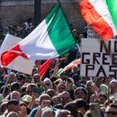 Продолжуваат протестите во Трст против ковид потврди