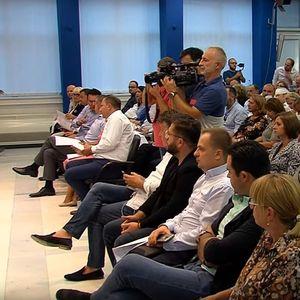 Опозицијата бара одговорност за сите во случајот ,,Рекет'', владејачката СДСМ ќе ја чека истрагата