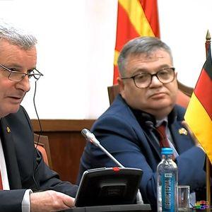 Париз и Берлин бараат владина реконструкција и закон за СЈО до октомври