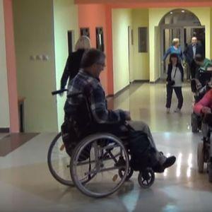 Лицата со телесен инвалидитет се уште во битка за поголема пристапност до институциите