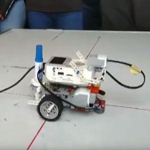Струмичка гимназија започна да едуцира проектирање со помош на робот