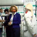 Стигнаа 100.000 вакцини донација од кинеската армија, Филипче уверува дека имунизацијата се врши според возрасната граница