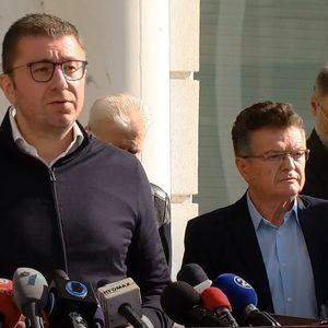 Мицкоски повика на опозициско обединување, Заев му пиша на членството дека СДСМ греши но учи и се поправа