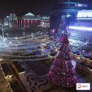 Скопјани уживаат во новогодишната атмосфера на градот
