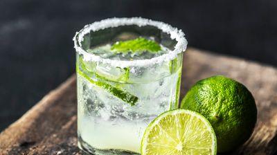 Нискокалорични алкохолни пијалоци што нема да ви ја нарушат диетата