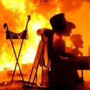 Змејови и политичари горат на Фестивалот на огнот во Валенсија