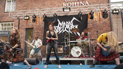 Во Финска се одржа прво светско првенство кое комбинира Хеви метал и плетење