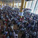 Индија ги запре возовите за првпат во 167 години и ги претвори во болници