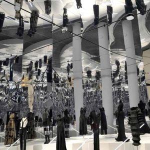 150 години мода претставени на изложбата во Метрополитен во Њујорк