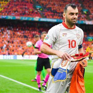 И Холанѓаните му се наклонија на Пандев на збогувањето од репрезентацијата