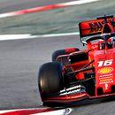 """Хамилтон повторно со """"дворски игри"""" – Ферари е моќен!"""