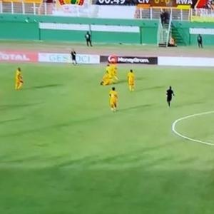Африка е чудо – две репрезентации во квалификации играа со исти дресови