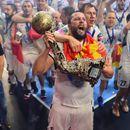 ФОТО: Стоилов го има секаде: Со Вардар, но и со одбојкарите на Македонија!