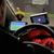 Рома(нтика) во такси возило: Вози преку 100 на час и ја гледа својата омилена екипа