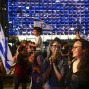 Hiljade ljudi u Tel Avivu slavile kraj Netanjahuove ere