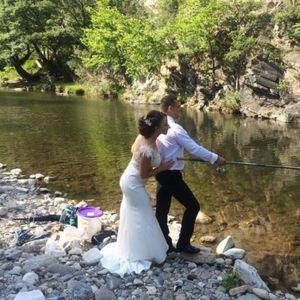 Младоженци улови булката си с въдица (СНИМКИ)