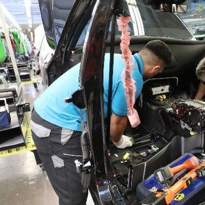 Дефицитът на чипове - бич за автомобилната индустрия
