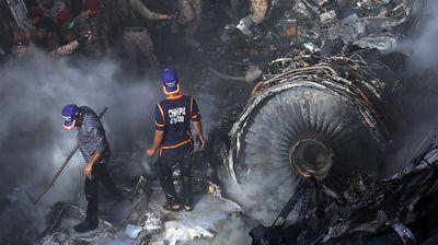 80 души са загиналите при самолетната катастрофа в Пакистан