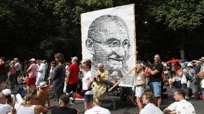 Многохиляден протест в Берлин срещу Covid-мерките