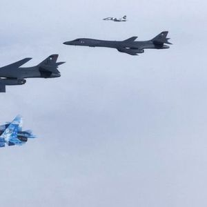 Стратегически US бомбардировачи прелетяха над Европа (видео+снимки)
