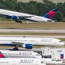 Woman manages to board Delta flight with no ID or boarding pass, passenger says