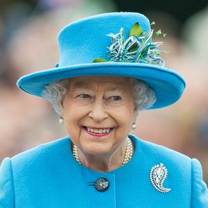 Queen Elizabeth is hiring a traveling sous chef