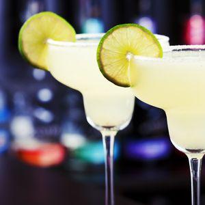Chinese bars delivering happy hour drinks amid coronavirus lockdown,