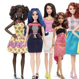 Тази жена споделя какво още липсва в новата колекция на куклите Барби