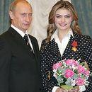 Алина Кабаева родила близнаци от Владимир Путин