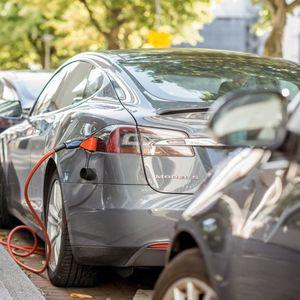 "Може ли да ве ""дрмне"" струја додека полните електричен автомобил?"