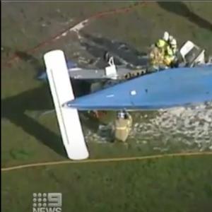 Авион СЕ СРУШИ на голф терен