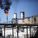 Во вооружен судир оштетена главната рафинерија во Либија