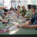 Учителите пенсионери от Сандански си организираха празненство за първия учебен ден